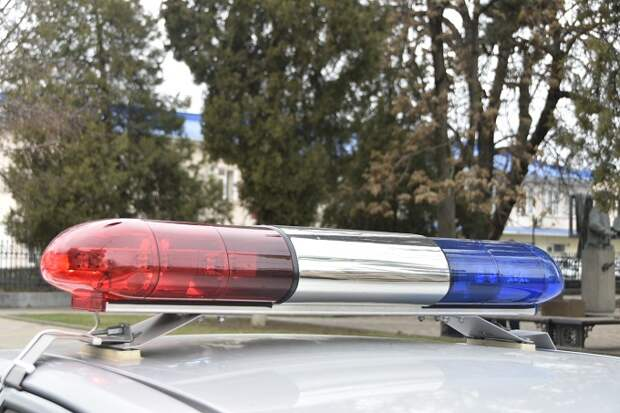 СК проверит инцидент с полицейской машиной у кафе в Краснодаре