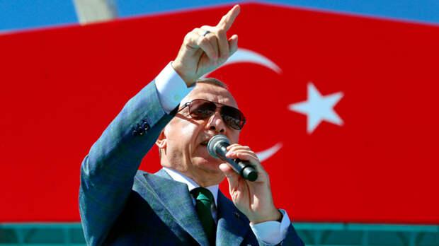 Не будет туристов - будем рыть канал. Эрдоган тянет Турцию в великие державы