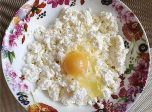 Пышные, нежные, вкусные и действительно творожные сырники по новому рецепту