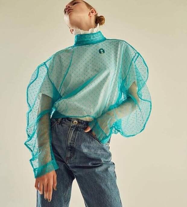 блузка из прозрачной ткани