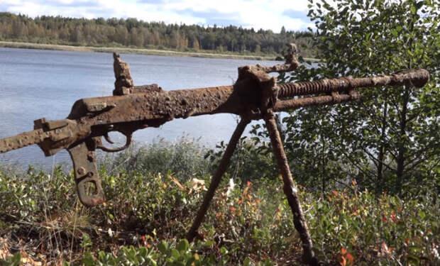 Пулеметное гнездо в финском блиндаже: находка в карельских лесах
