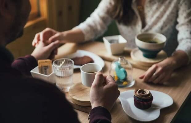 Жизнь после COVID-19: в Роспотребнадзоре рассказали, какие кафе откроются раньше других