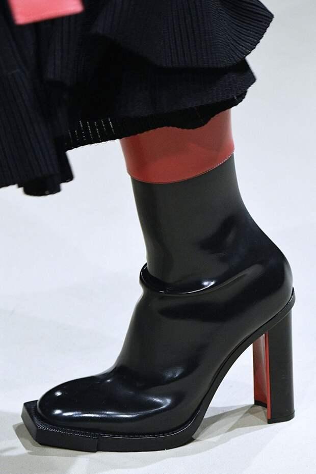 Черные ботинки с квадратным носком Alexander McQueen