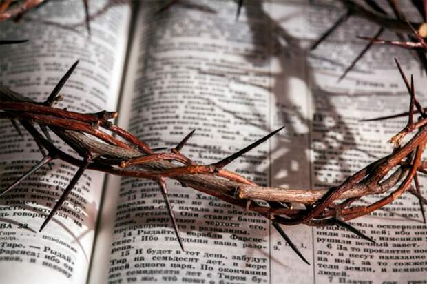 Сильные параллели с христианством.