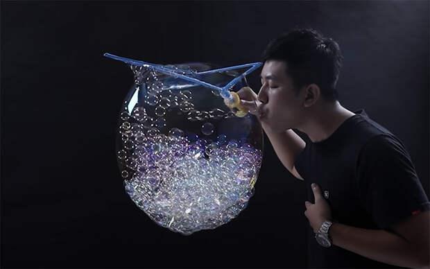 Тайванец благодаря мыльным пузырям дважды попал в Книгу рекордов Гиннесса