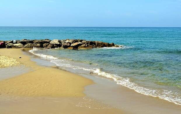 Марке: роскошные пляжи, заповедники, медитации и фестивали