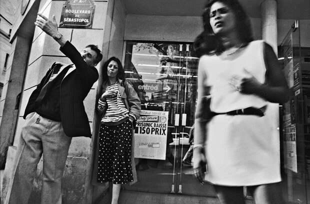 Труженицы секс-индустрии с улицы Сен-Дени. Фотограф Массимо Сормонта 49