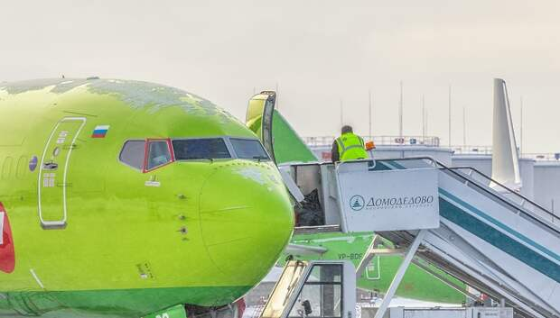 Свыше 40 рейсов задержали и отменили в московских аэропортах в среду вечером
