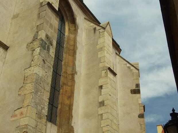 Church_of_the_Virgin_Mary_Before_Tyn_(8349054152) (700x525, 57Kb)