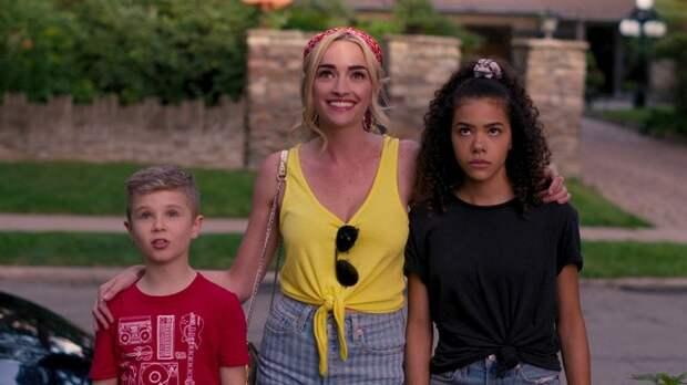 """""""Джинни и Джорджию"""" от Netflix продлили на второй сезон"""