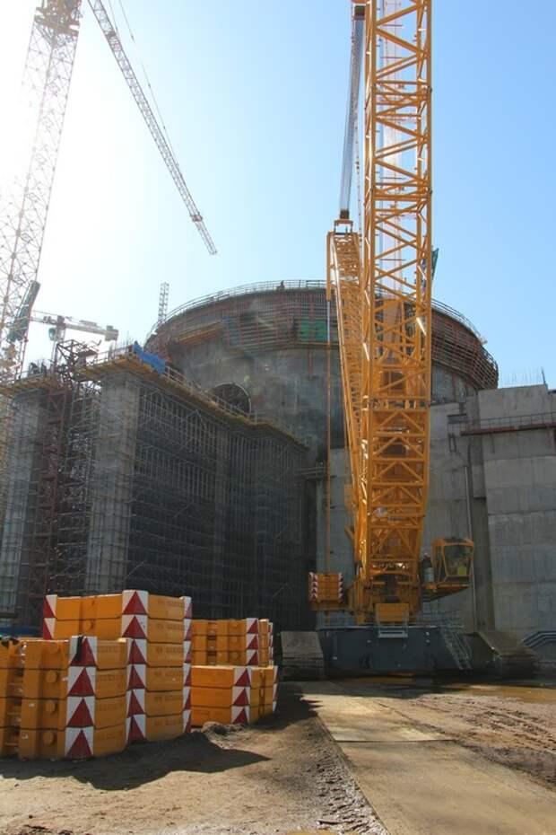 Ленинградской АЭС: на втором строящемся энергоблоке ВВЭР-1200 выполнен первый этап бетонирования эстакады транспортного шлюза