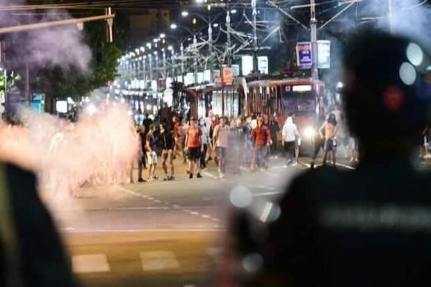 Сербия взбунтовалась: протесты против карантина охватывают всё больше городов (ФОТО, ВИДЕО) | Русская весна