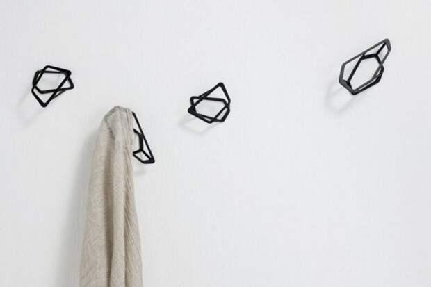 Настенная вешалка в прихожей: поделки своими руками и необычные идеи