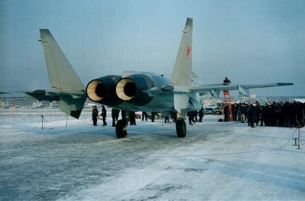 Истребитель V поколения Микоян 1.44/1.42