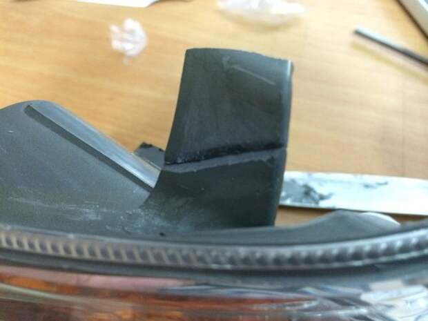 Надежный метод склеивания пластиковых и металлических деталей