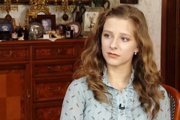 Лиза Арзамасова оценила свои возможности как матери