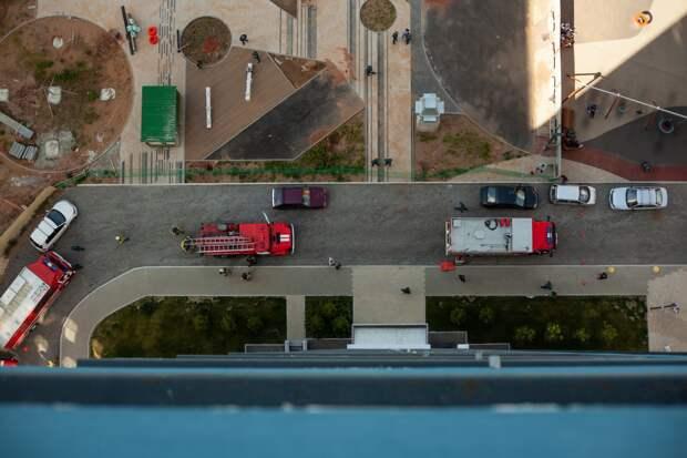 Пожарные учения в Ижевске, восемь погибших при крушении Ми-8 и кораблекрушение у берегов Японии: новости к этому часу