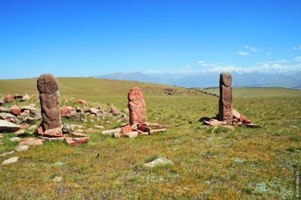 Мерке-Мынбулакский комплекс располагается на западной стороне Киргизского Алатау, на территории Жамбылской области, в верхнем течении...