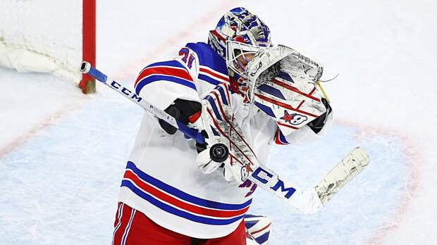 Шестеркин прокомментировал первый «сухарь» в НХЛ