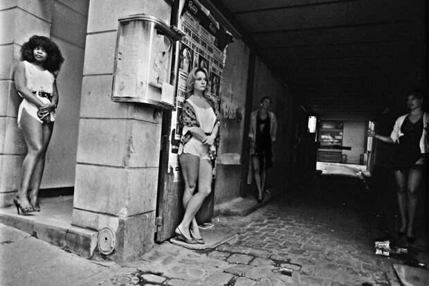 Труженицы секс-индустрии с улицы Сен-Дени. Фотограф Массимо Сормонта 22