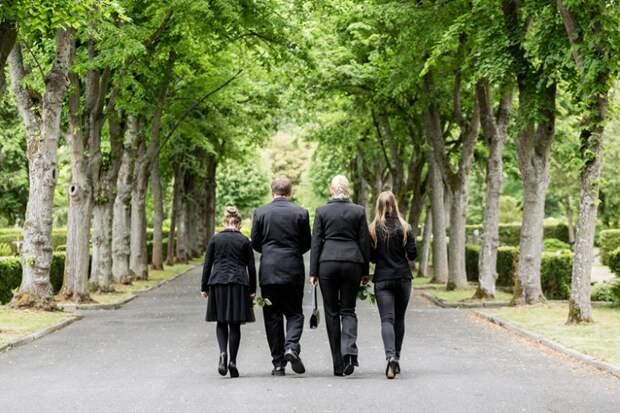 Почему не стоит ходить на кладбище в одиночестве?