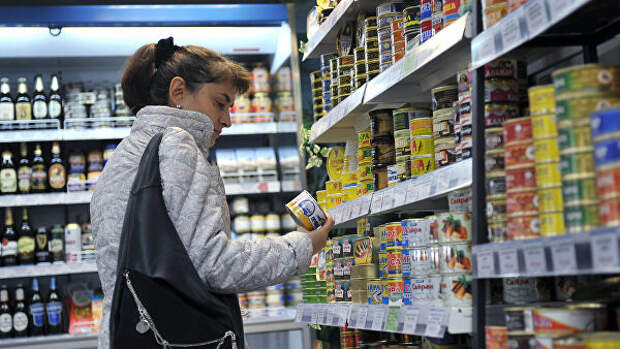 В Приморье объяснили рост цен на консервы из сайры