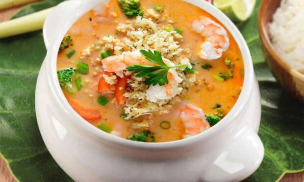 Знаменитый тайский суп: том-ям с креветками