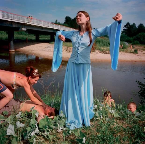 Sergey-Chilikov-blue-dress.jpg