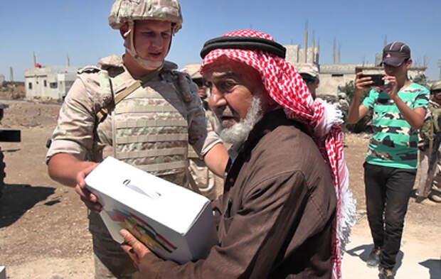 Российские военные доставили гуманитарную помощь жителям сирийской провинции Дераа