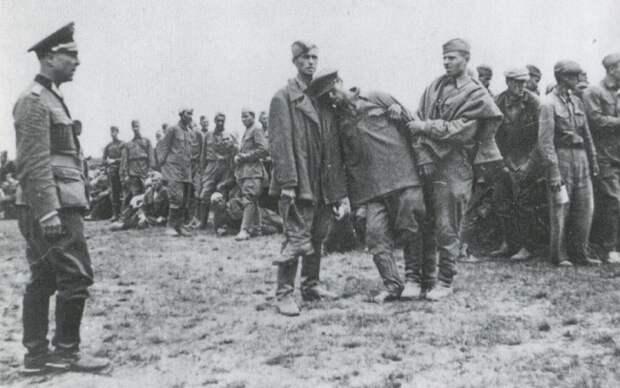 Каких пленных красноармейцев немцы сразу расстреливали
