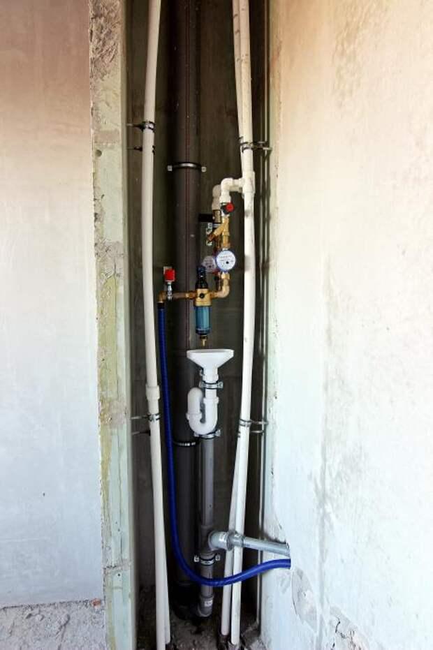 Ещё один вариант расположения трубопровода в санузле. Сорок первая часть.