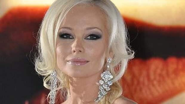 Елена Корикова рискнула показать «голое» лицо