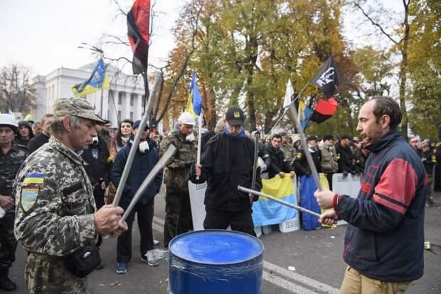 Журналисты узнали, сколько платят «майдановцам» в Киеве