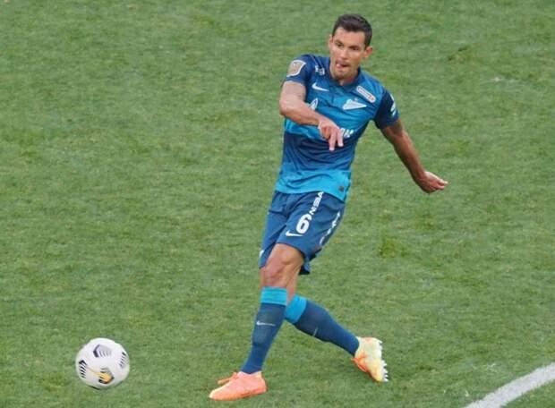 Защитник «Зенита» Ловрен предложил прессе «не мочиться» на его партнеров по команде