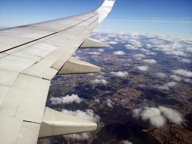 Перелеты за государственный счет: зачем нужна новая авиакомпания от Сбербанка и ВТБ