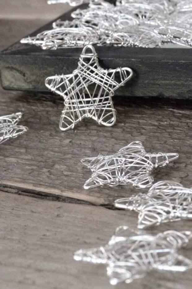 Ёлочные украшения и новогодний декор из проволоки: 33 идеи
