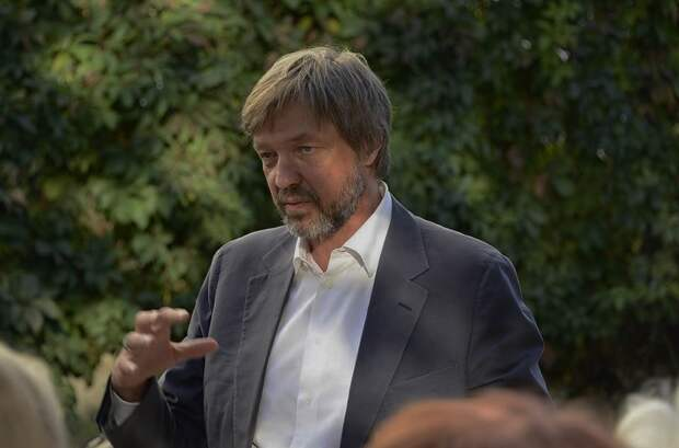 Суд признал незаконным увольнение Николаева из Корпорации развития