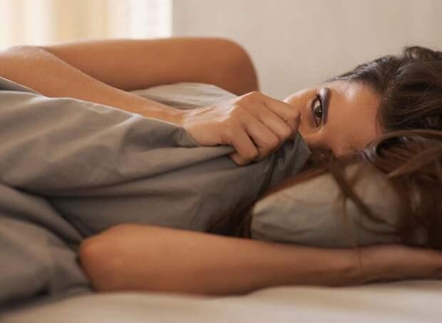 Врач назвал простой способ избежать неприятного запаха изо рта утром