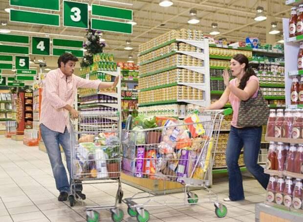 Общество потребления. Что скрывается за стремлением потреблять?