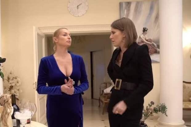 """Волочкова поделилась воспоминаниями о Собчак в своей бане: """"На ее тело без слез не взглянешь"""""""
