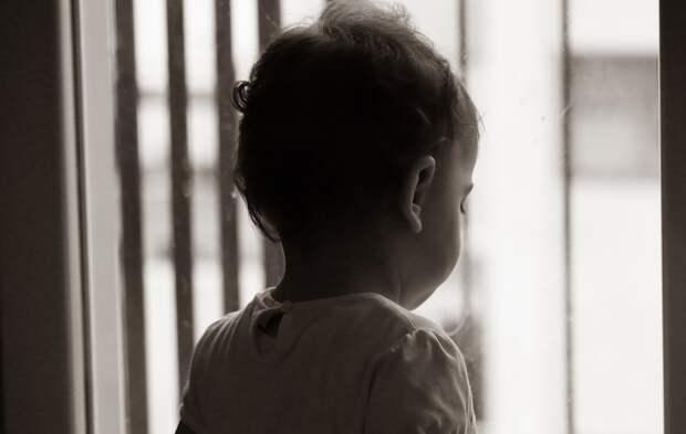 Выпадением ребенка из окна в Симферополе заинтересовался Следком