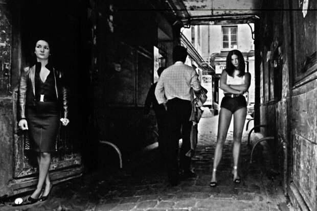 Труженицы секс-индустрии с улицы Сен-Дени. Фотограф Массимо Сормонта