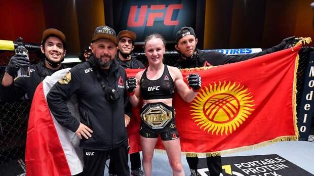 Русская чемпионка UFC уже обошла Хабиба