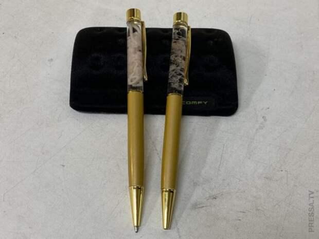 Отвратительные японские ручки-сувениры с паразитами внутри