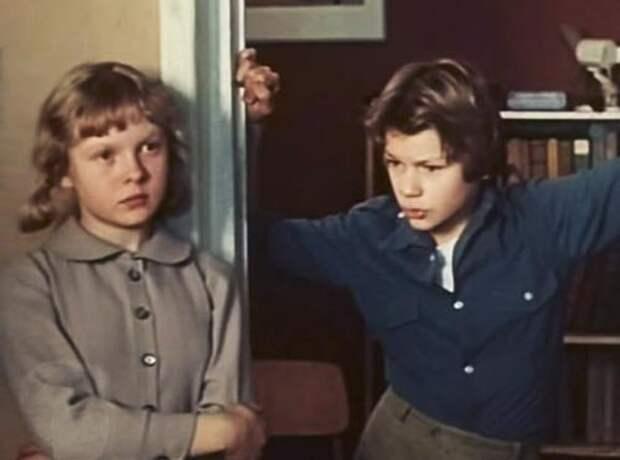 Кадр из фильма А. Шахмалиевой «Дети как дети», в ролях – М. Сергеечева Н. Михайловский