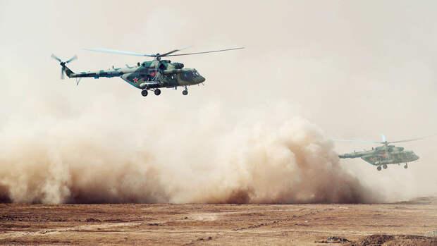 Российские вертолеты провели в Киргизии учения с пусками ракет