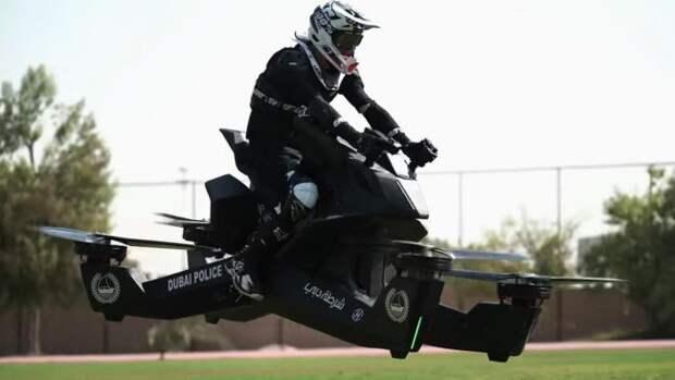 Полиция Дубая начинает испытания первых летающих мотоциклов