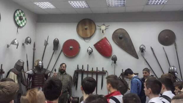 Урок живой истории. Фото: молодежная палата Алексеевского