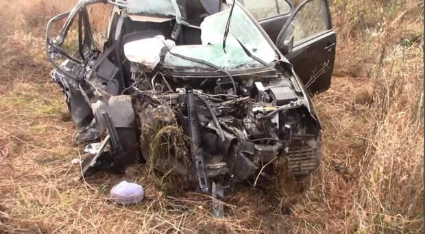 Пожилая женщина погибла при столкновении иномарки с «КамАЗом» в Удмуртии