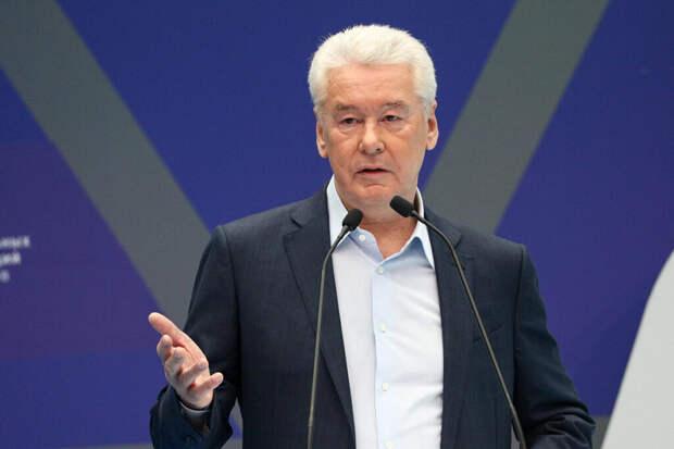 Собянин выступил против жёстких санитарных ограничений в Москве